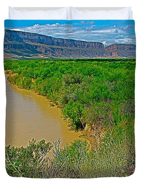 Rio Grande East Of Santa Elena Canyon In  Big Bend National Park-texas Duvet Cover