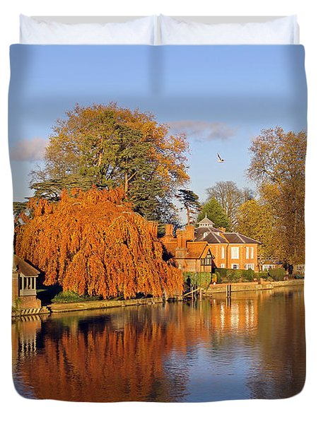 River Thames At Marlow Duvet Cover
