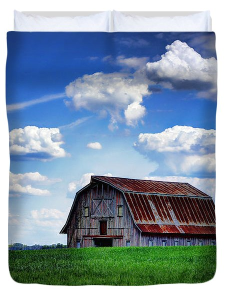 Riverbottom Barn Against The Sky Duvet Cover by Cricket Hackmann