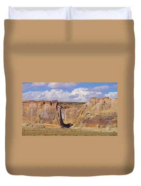 Rock Formations At Capital Reef Duvet Cover by Jeff Swan
