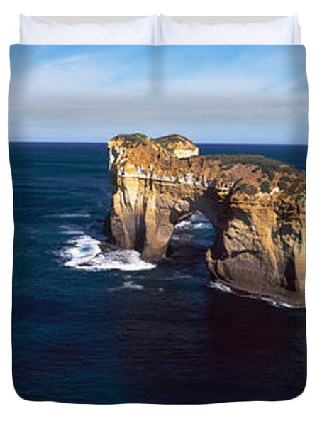 Rock Formations In The Ocean, Campbell Duvet Cover
