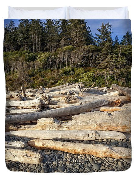 Rocky Beach And Driftwood Duvet Cover