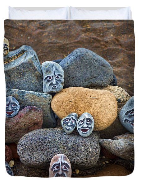 Rocky Faces In The Sand Duvet Cover by David Smith