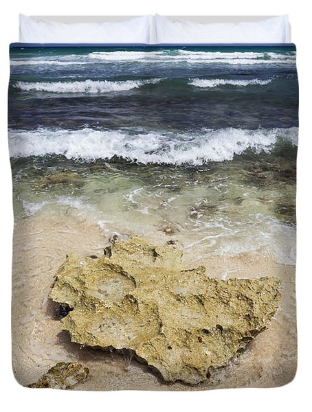 Rocky Shoreline In Tulum Duvet Cover