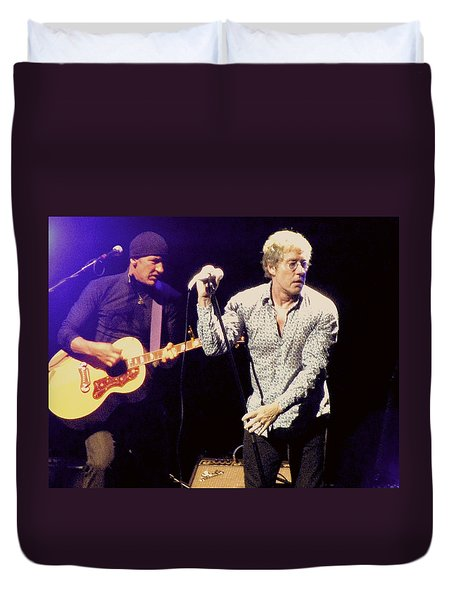 Duvet Cover featuring the photograph Roger Daltrey And The Who by Melinda Saminski