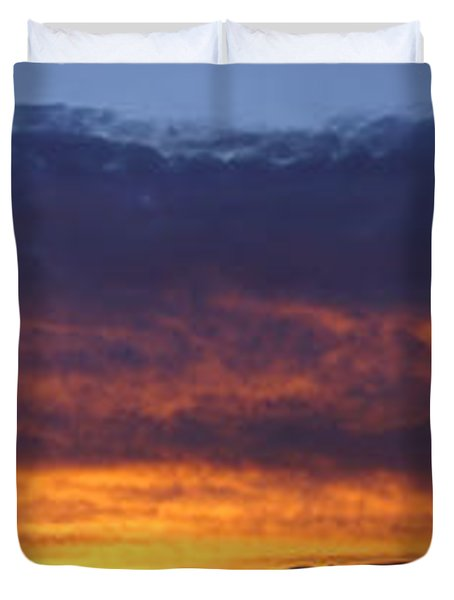 Rogue Valley Sunset Panoramic Duvet Cover by Mick Anderson