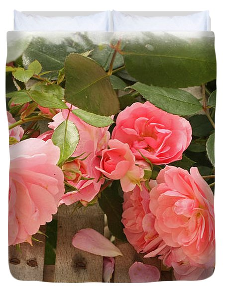 Duvet Cover featuring the photograph Romance And Roses by Liz  Alderdice