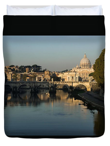 Rome - Iconic View Of Saint Peter's Basilica Reflecting In Tiber River Duvet Cover