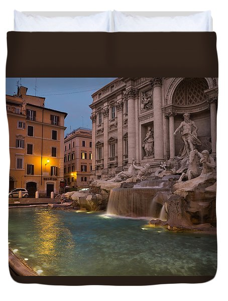 Rome's Fabulous Fountains - Trevi Fountain At Dawn Duvet Cover