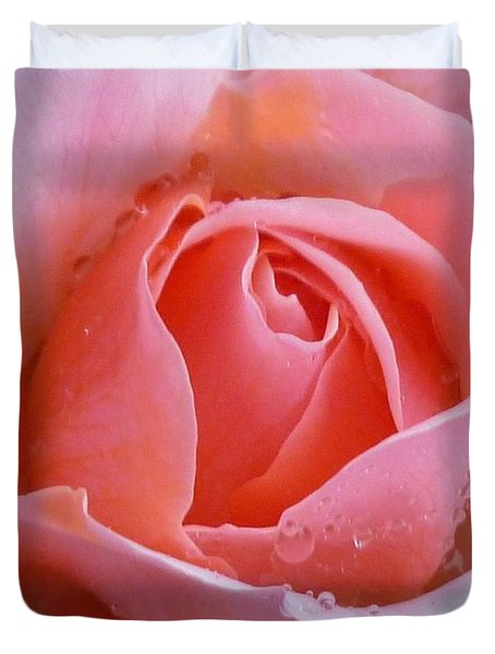 Duvet Cover featuring the photograph Rose In The Rain by Lingfai Leung