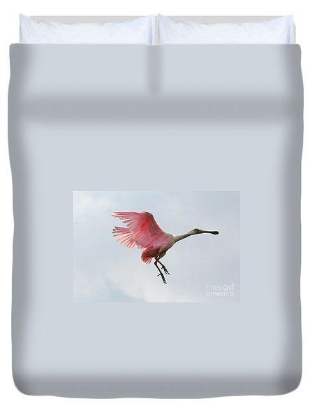 Roseate Spoonbill In Flight Duvet Cover by Carol Groenen