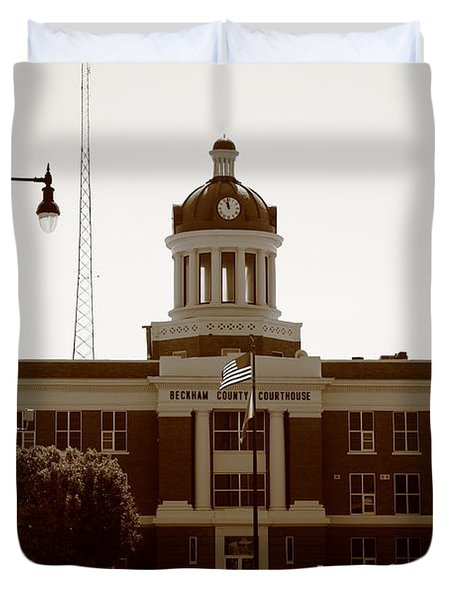 Route 66 - Beckham County Courthouse Duvet Cover