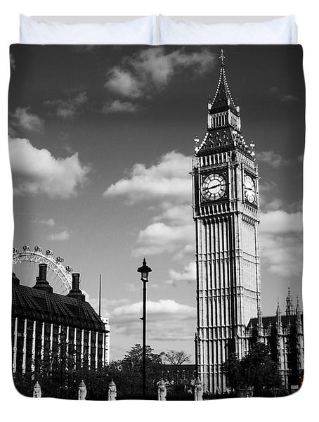 Routemaster Bus On Black And White Background Duvet Cover