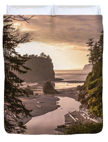 Ruby Beach Landscape Duvet Cover