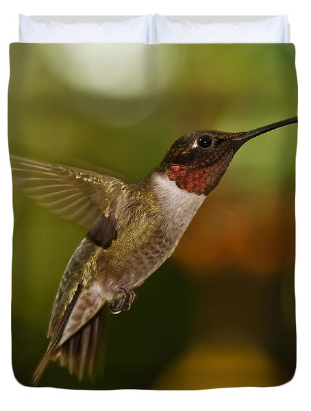 Duvet Cover featuring the photograph Ruby-throat Hummingbird by Robert L Jackson