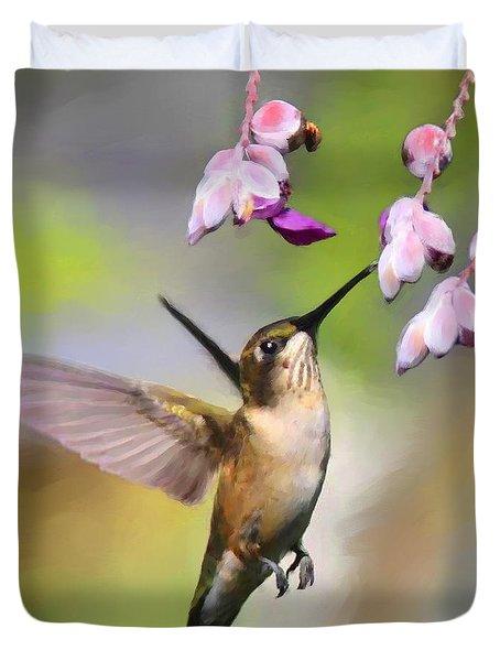 Ruby-throated Hummingbird - Digital Art Duvet Cover