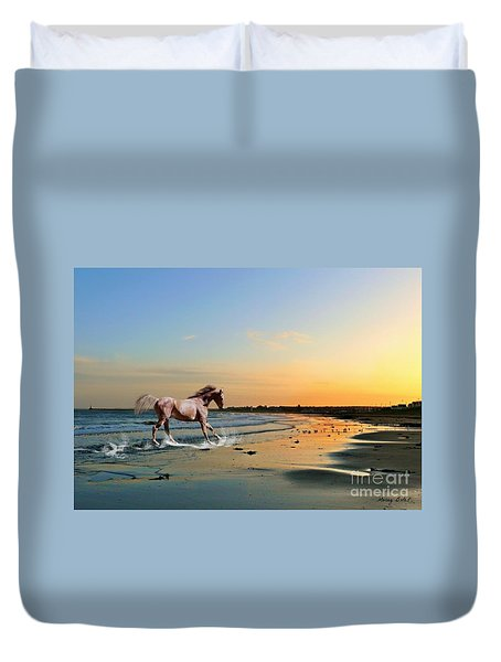 Run Like The Wind Duvet Cover