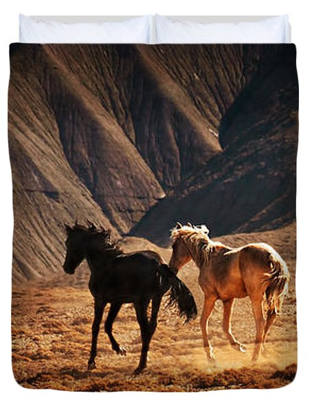 Duvet Cover featuring the photograph Running Free by Priscilla Burgers