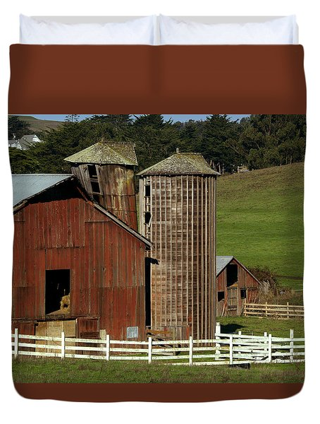 Rural Barn Duvet Cover by Bill Gallagher
