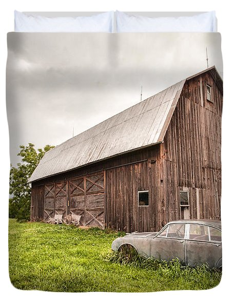 Rustic Art - Old Car And Barn Duvet Cover
