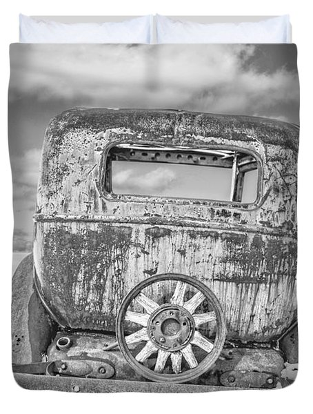 Rusty Old Car In The Snow Duvet Cover