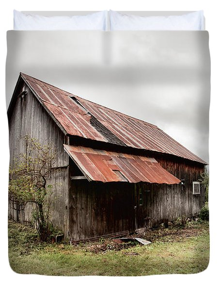 Rusty Tin Roof Barn Duvet Cover by Gary Heller