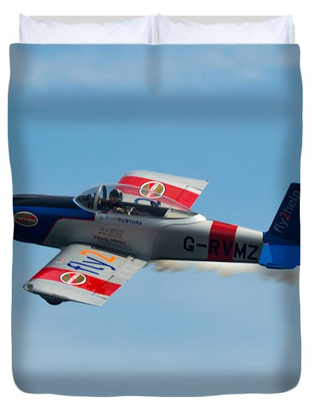 Duvet Cover featuring the photograph Rv8tors Flyby Wave by Scott Lyons