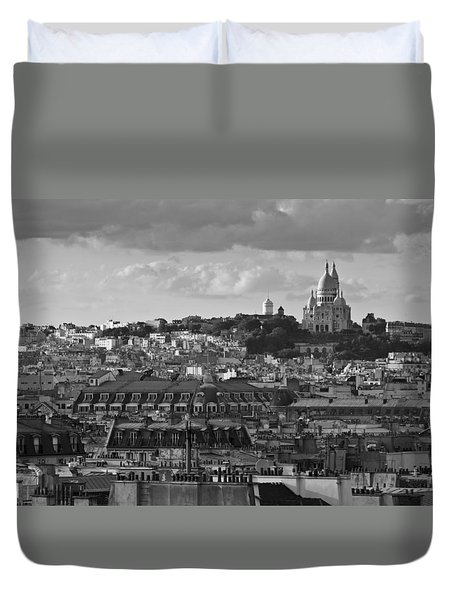 Sacre Coeur Over Rooftops Black And White Version Duvet Cover by Gary Eason