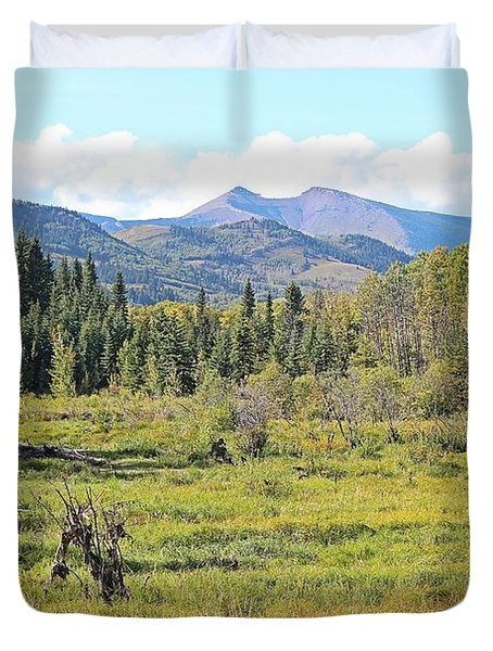 Duvet Cover featuring the photograph Saddle Mountain by Ann E Robson
