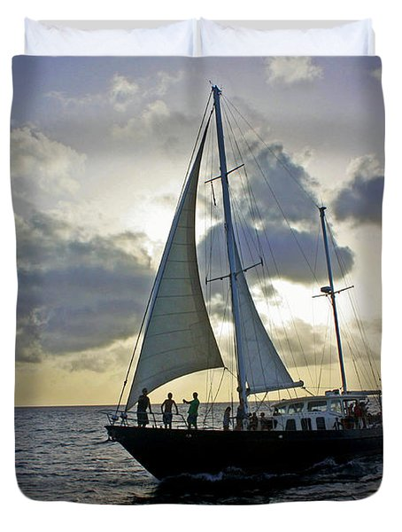Sailing In Aruba Duvet Cover