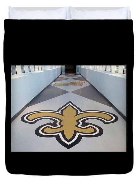 Saints Are Coming - Benson Towers - New Orleans La Duvet Cover