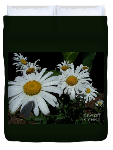Duvet Cover featuring the photograph Salute The Sun by Marilyn Zalatan