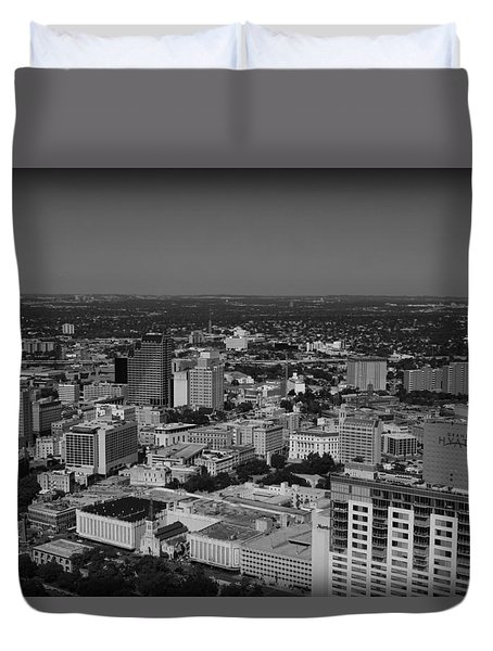 San Antonio - Bw Duvet Cover by Beth Vincent