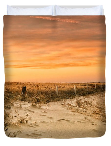 Sandy Road Leading To The Beach Duvet Cover