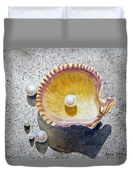 Sea Shell And Pearls Duvet Cover by Irina Sztukowski