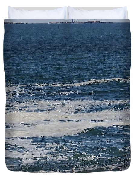 Duvet Cover featuring the photograph Seabreeze. by Robert Nickologianis