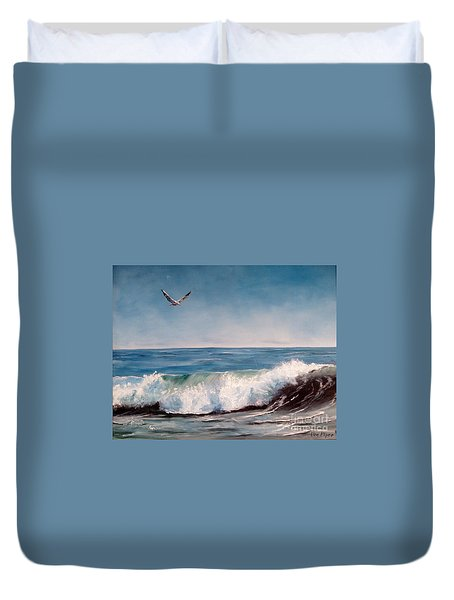 Seagull With Wave  Duvet Cover by Lee Piper
