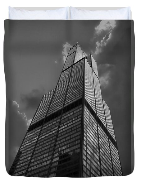 Sears Willis Tower Black And White 01 Duvet Cover by Thomas Woolworth
