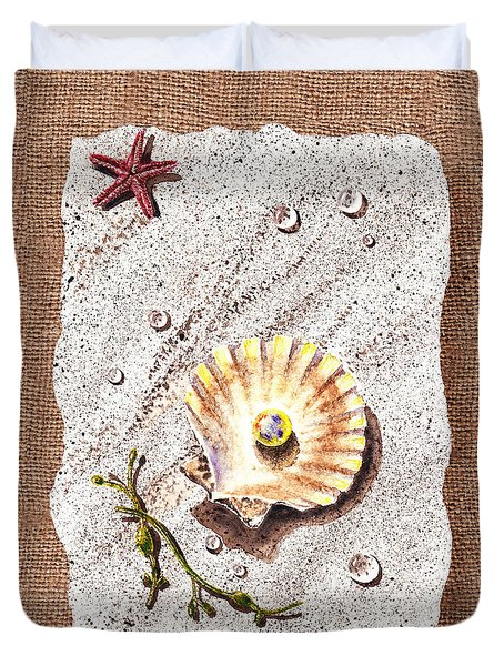 Seashell With The Pearl Sea Star And Seaweed  Duvet Cover by Irina Sztukowski