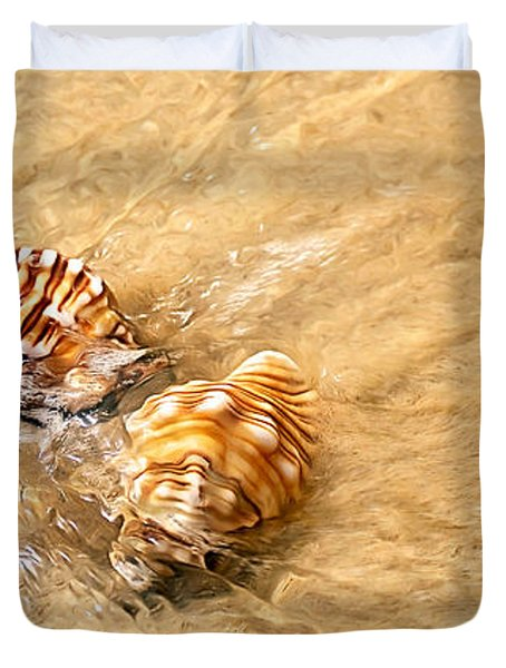 Seashells And Ripples Duvet Cover by Kaye Menner