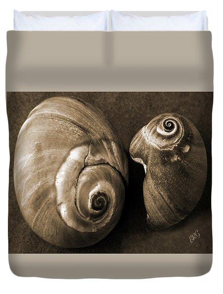 Seashells Spectacular No 6 Duvet Cover by Ben and Raisa Gertsberg