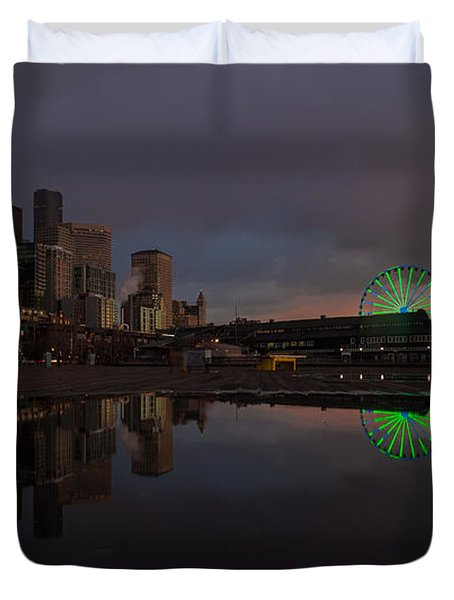 Seattle Cityscape And The Wheel Duvet Cover by Mike Reid