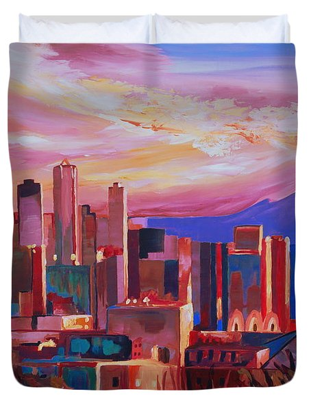 Seattle Skyline With Space Needle And Mt Rainier Duvet Cover by M Bleichner