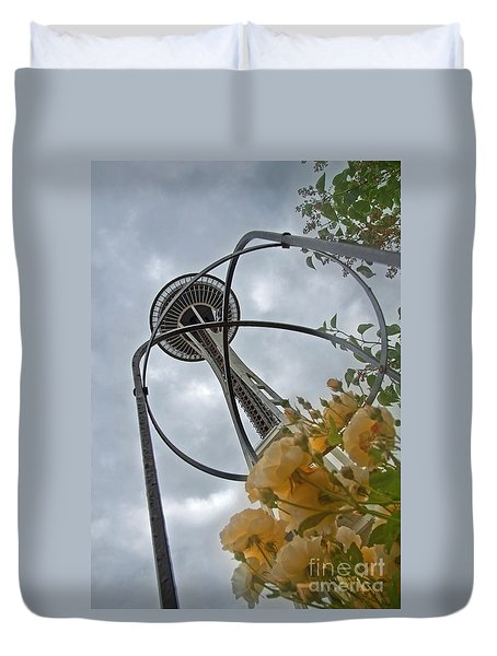 Seattle Spaceneedle With Watercolor Effect Yellow Roses Duvet Cover