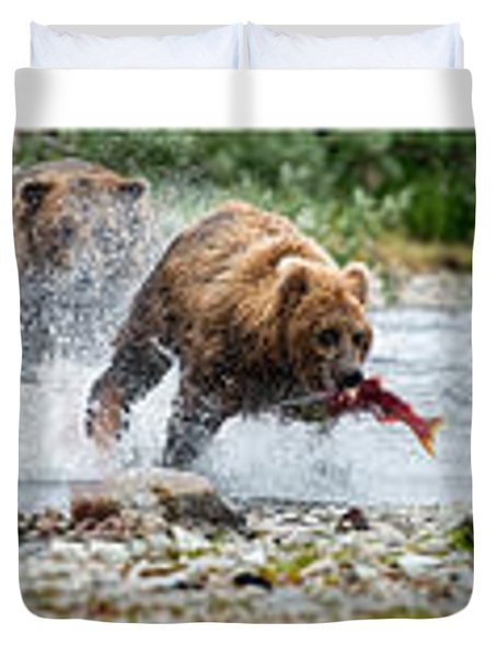 Sequence Of Large Brown Stealing Salmon From Smaller Brown Bear Duvet Cover by Dan Friend