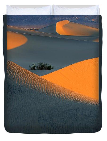 Death Valley Serenade In Light Duvet Cover