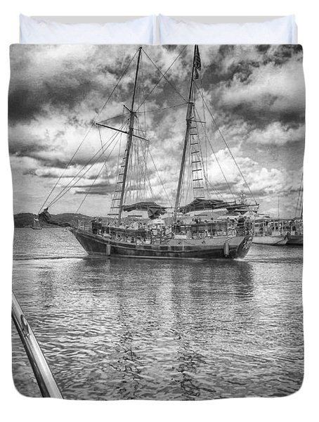 Duvet Cover featuring the photograph Setting Sail by Howard Salmon