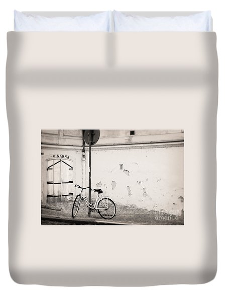 She Is Waiting  Duvet Cover by Ivy Ho