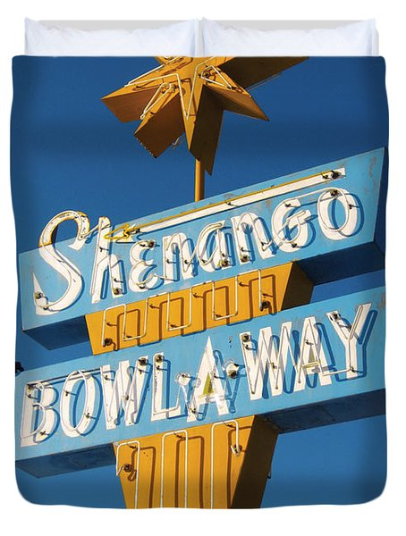 Shenango Bowl-a-way Duvet Cover