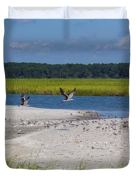 Shorebirds And Marsh Grass Duvet Cover